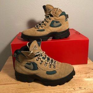 Vintage Nike ACG Hiking Boots